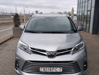 Аренда минивэна Toyota Sienna